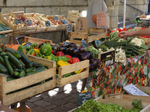 market-fresh-fruit-and-veg-300x225